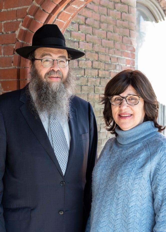 Rabbi Yitzchok & Zeesy Raskin 2020.jpg